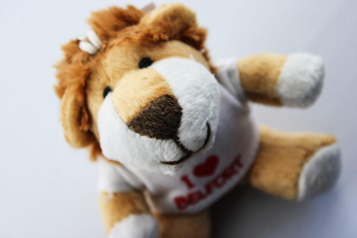 Lion en peluche