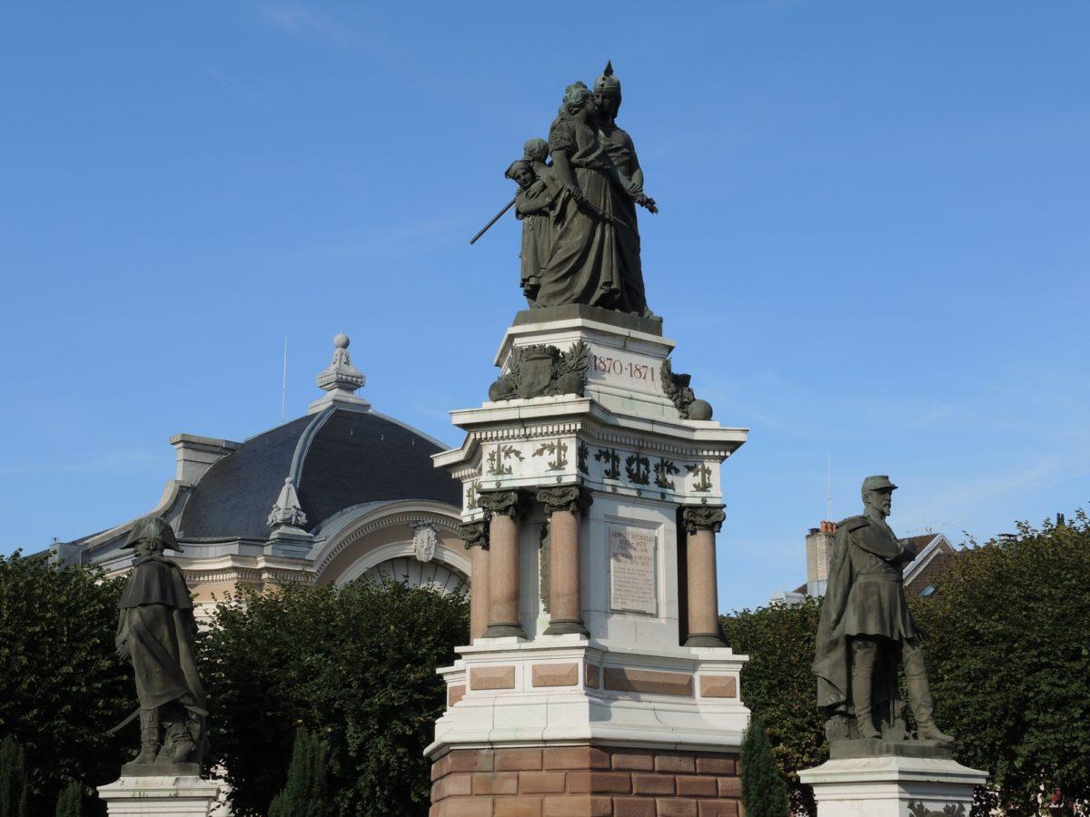 LE MONUMENT DES TROIS SIÈGES_1
