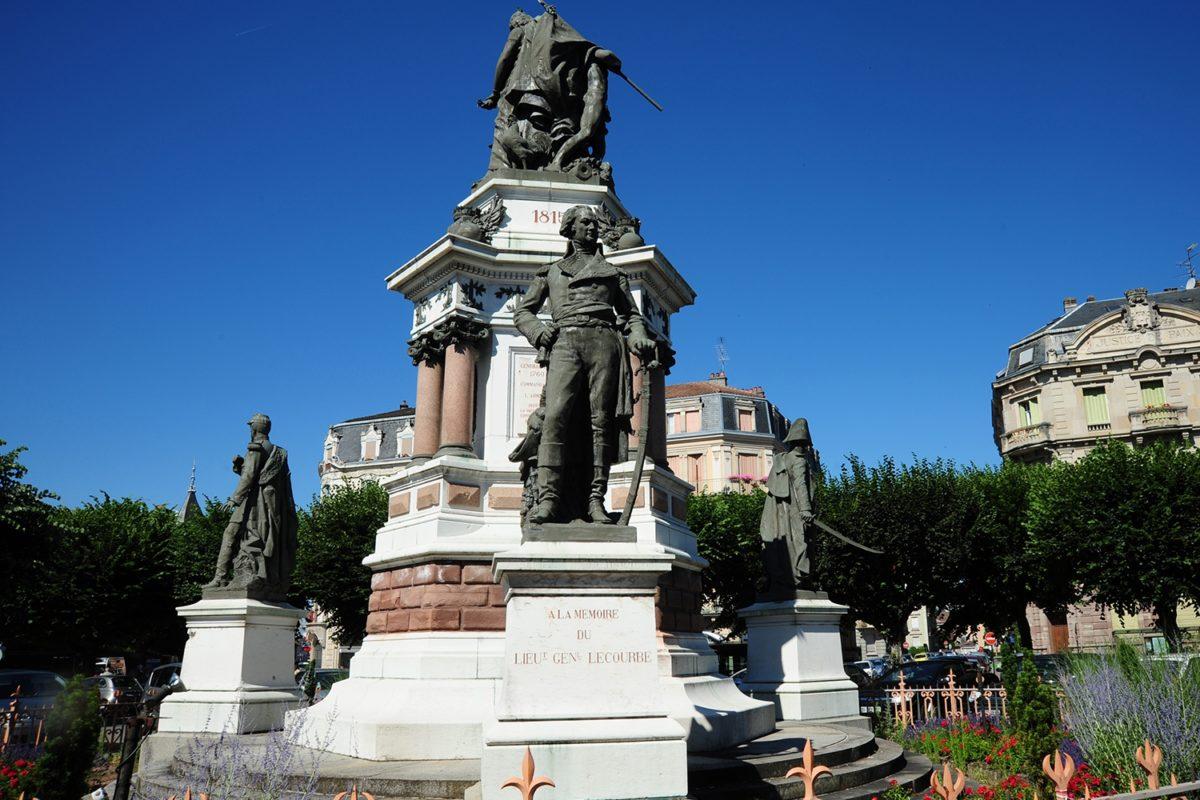 LE MONUMENT DES TROIS SIÈGES_2